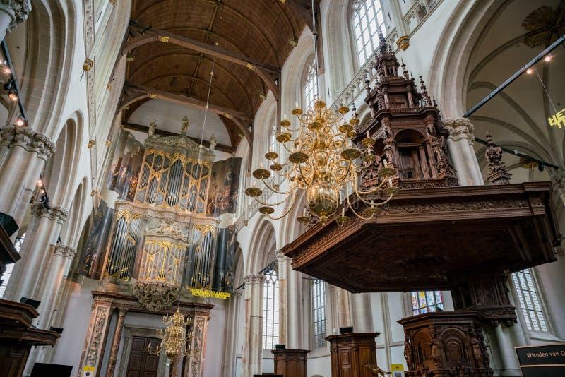 Vue intérieure de la nouvelle église images stock
