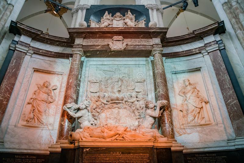 Vue intérieure de la nouvelle église image stock