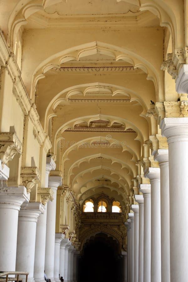 Vue intérieure de palais de Thirumalai images libres de droits