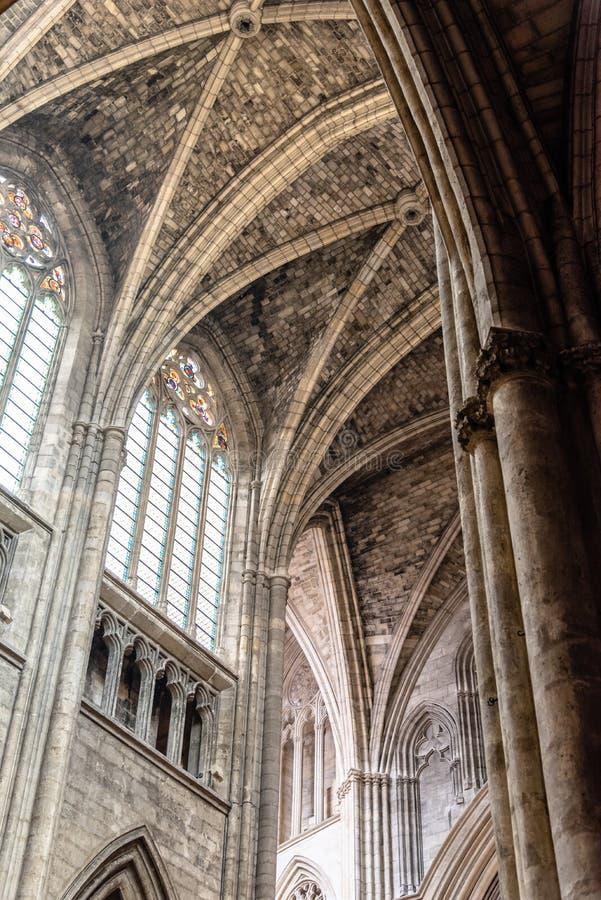 Vue intérieure de St Andrew Cathedral en Bordeaux photographie stock libre de droits