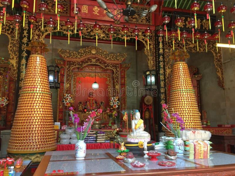 Vue intérieure de temple chinois à Singapour photos stock