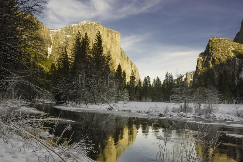 Vue ionique de vallée de Yosemite en hiver photo libre de droits