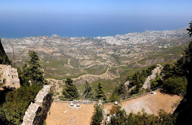 Vue Kyrenia de St Hilarion images stock