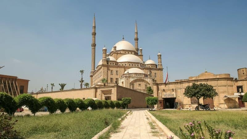 Vue large de la mosquée d'albâtre au Caire, Egypte images libres de droits