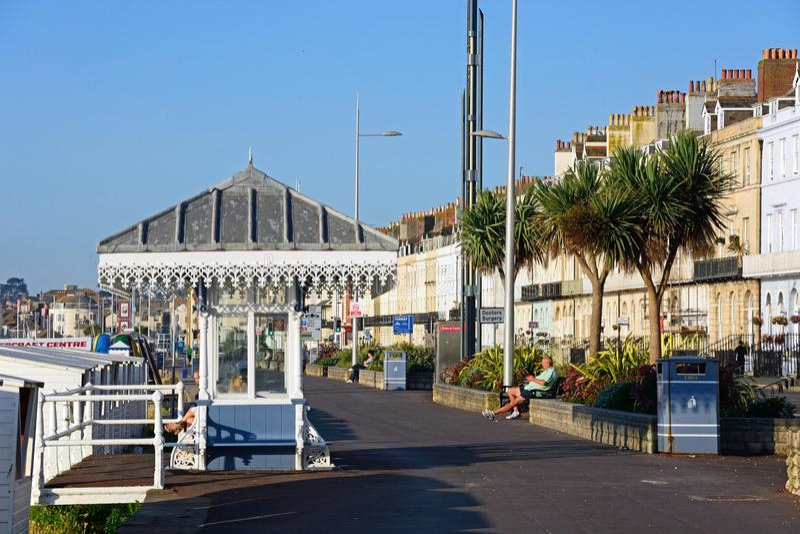 Vue le long de l'esplanade, Weymouth photo stock