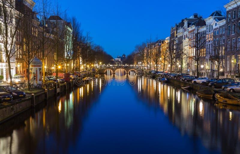 Vue le long du canal de Keizersgracht à Amsterdam photo libre de droits