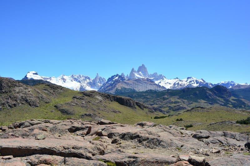 Download Vue Lointaine De La Crête De Fitz Roy, En Parc National De Visibilité Directe Glaciares, EL Chaltén, Argentine Image stock - Image du glacier, destin: 87704213