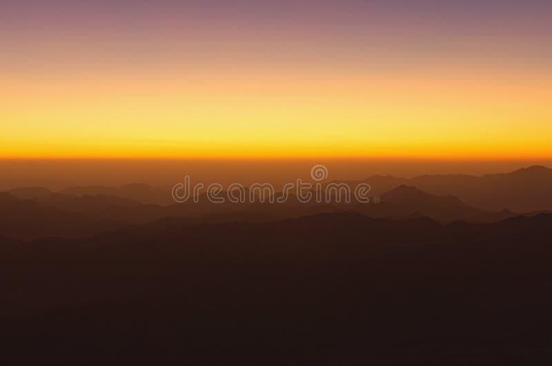 Vue majestueuse de bâti Horeb, Gabal Musa, Moses Mount de mont Sinaï au lever de soleil Péninsule du Sinaï de l'Egypte images libres de droits