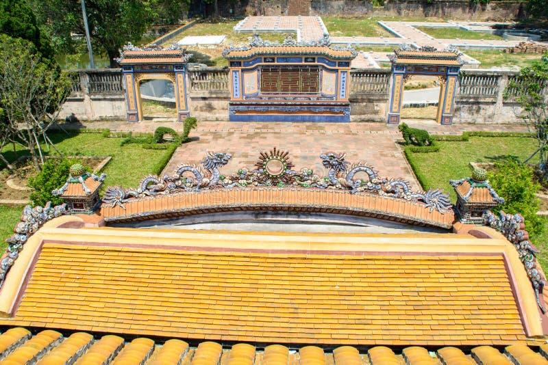 Vue merveilleuse de la porte méridienne à la ville impériale avec le Cité interdite pourpre dans la citadelle en Hue, Vietnam photo libre de droits