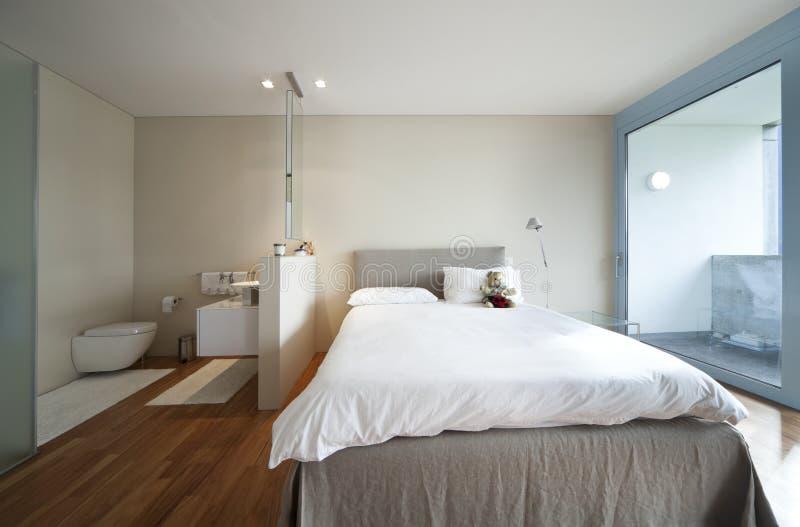 Vue moderne d'intérieur d'appartement images stock