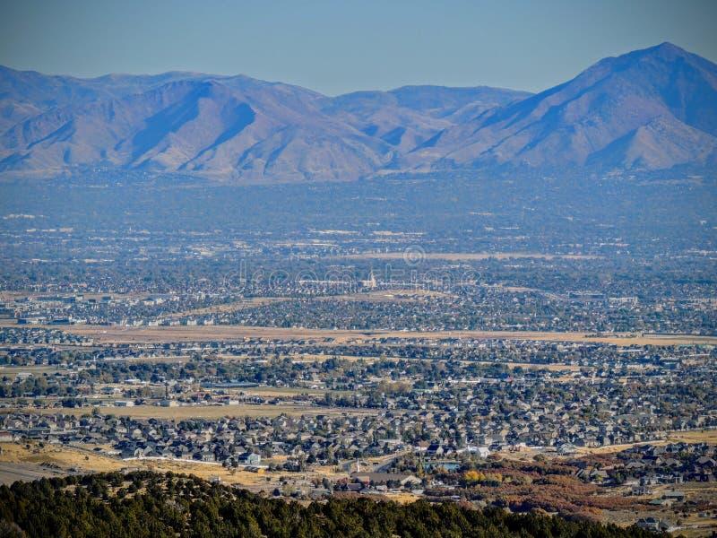 Vue montagnes avant de Salt Lake de vallée et de Wasatch de désert en Autumn Fall augmentant Rose Canyon Yellow Fork, grande roch photo stock