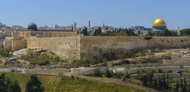 Vue panoramique à la vieille ville de Jérusalem photos libres de droits