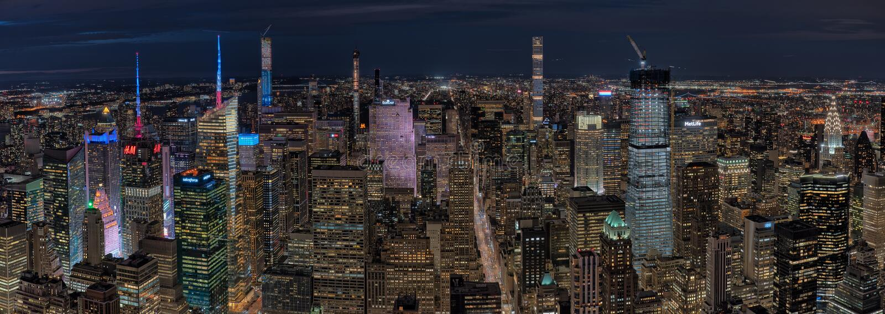 Vue panoramique à partir du dessus de l'observatoire de roche la nuit photographie stock