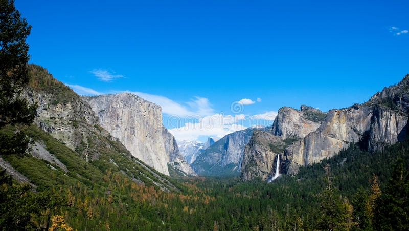 Vue panoramique d'EL Capitan à la vue de tunnel images stock