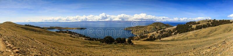 Vue panoramique d'Isla del Sol et du x28 ; Île du sun& x29 ; , le Lac Titicaca, Bolivie photographie stock libre de droits