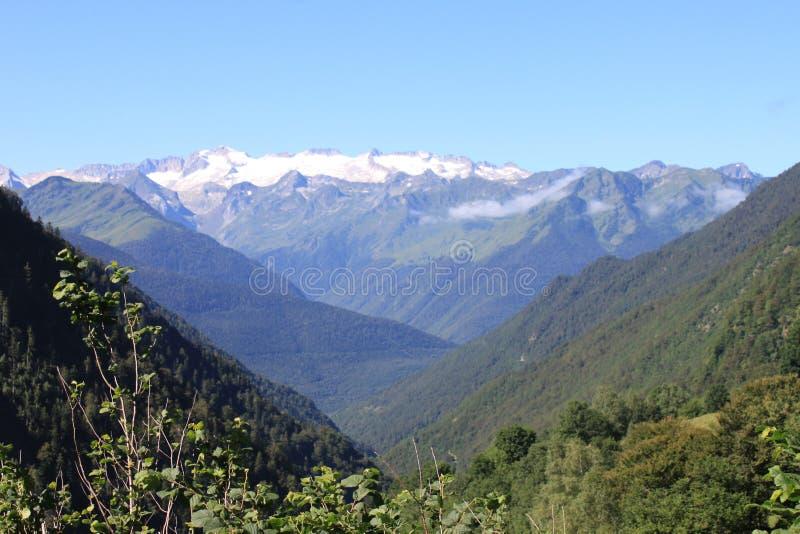 Vue panoramique d'un glacier dans les Pyrénées photo stock