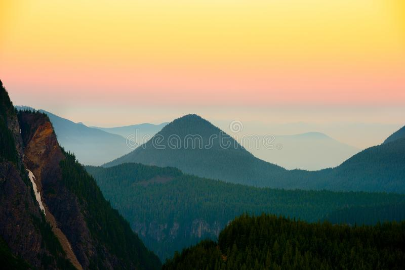 Vue panoramique de bâti Rainier National Park, Etats-Unis images libres de droits