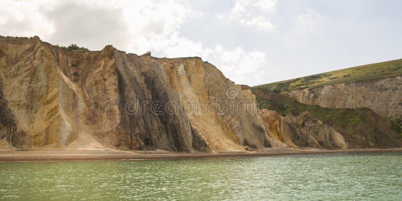 Vue panoramique de baie d'alun sur la côte de l'île du wight photographie stock