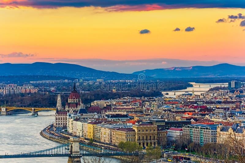 Vue panoramique de Budapest de la citadelle photos libres de droits