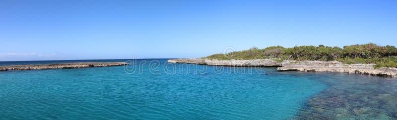 Vue panoramique de Caleta Buena, pr?s de Playa Giron situ? dans la baie des porcs ou du Bahia de cochinos, le Cuba images stock