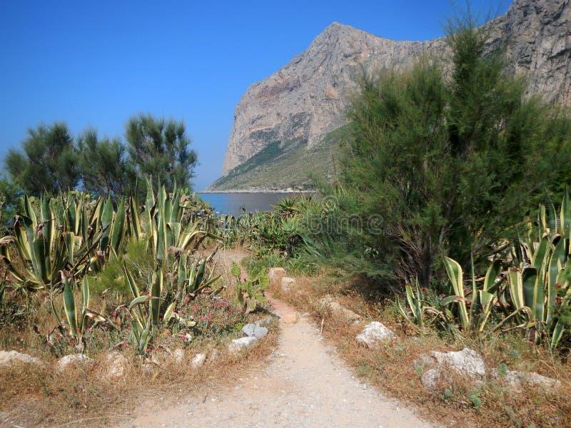 Vue panoramique de capo Gallo vue de Punta Barcarello photographie stock libre de droits