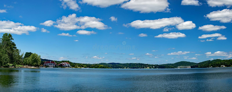 Vue panoramique de Claytor Lake, la Virginie, Etats-Unis photo stock