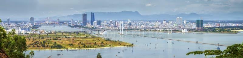 Vue panoramique de Danang de la péninsule de Tra de fils photos libres de droits