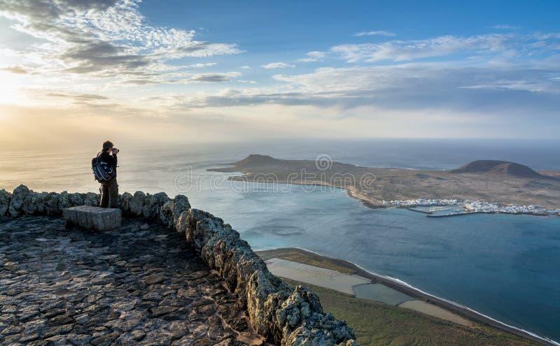 Vue panoramique de del Rio, Lanzarote d'EL Mirador Îles Canaries image stock