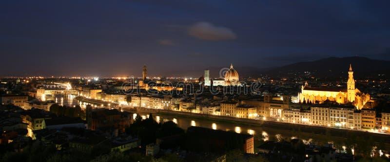 Vue panoramique de Florence la nuit photographie stock libre de droits