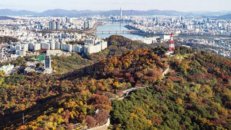 Vue panoramique de la ville de Séoul avec la rivière Hangang photo stock