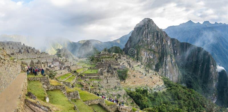 Vue panoramique de Machu Picchu Inca Ruins - vallée sacrée, Pérou photos libres de droits
