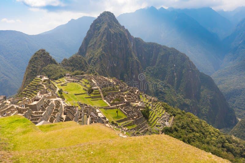 Vue panoramique de montagne de Machu Picchu et de Huayna Picchu image stock