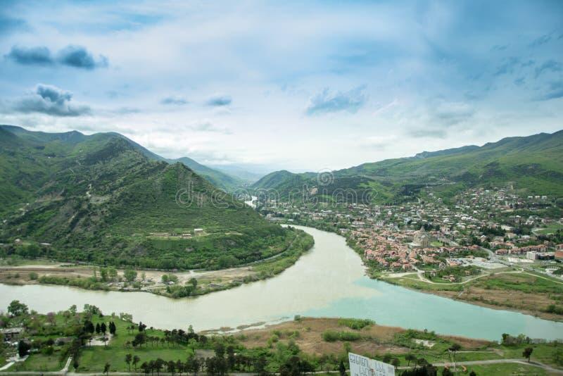 Vue panoramique de Mtskheta de monastère de Jvari georgia images stock