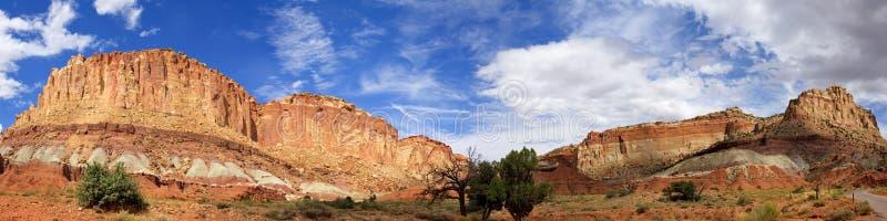 Vue panoramique de parc national de lavage de route de récif grand de capitol photos stock