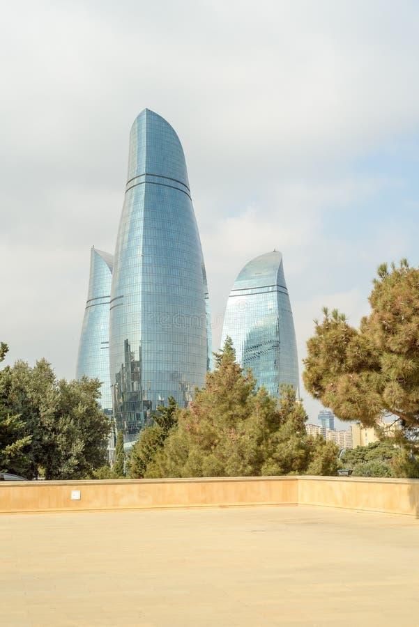 Vue panoramique de paysage urbain de Bakou moderne, capitale de l'Azerbaïdjan un jour ensoleillé propre photo libre de droits