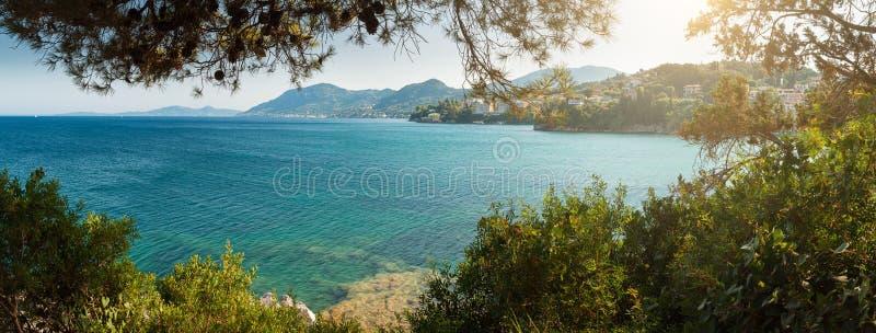 Vue panoramique de Pontikonisi image libre de droits