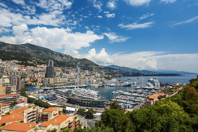 Vue panoramique de port de Monte Carlo au Monaco photos stock
