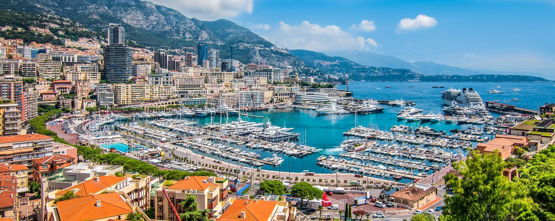 Vue panoramique de port de Monte Carlo au Monaco photo stock