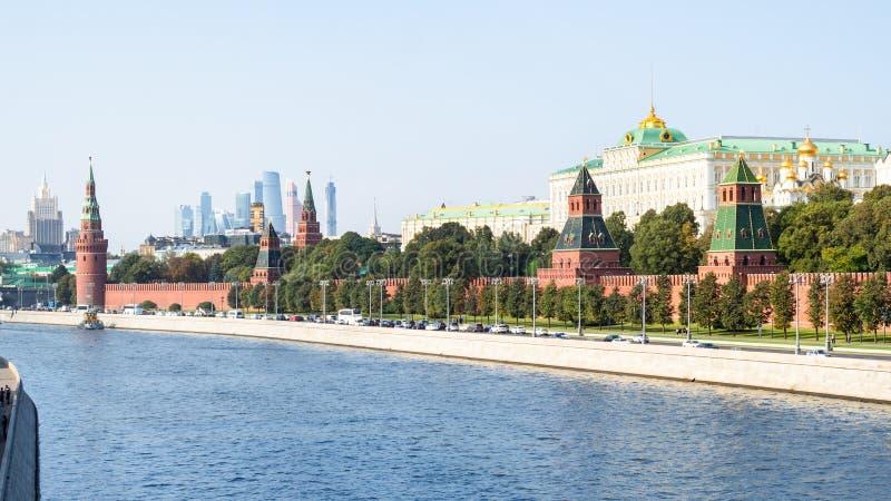 Vue panoramique de remblai de Kremlin à Moscou image libre de droits