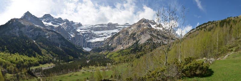 Vue panoramique de ressort du cirque de Gavarnie photos libres de droits