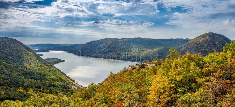 Vue panoramique de Ridge casse-cou image libre de droits