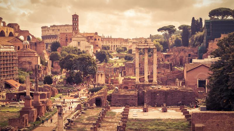 Vue panoramique de Roman Forum à Rome, Italie image libre de droits