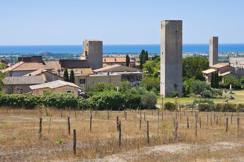 Vue panoramique de Tarquinia. Le Latium. l'Italie. photo stock