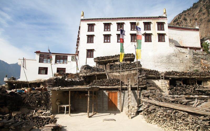 Vue panoramique de village et de monastère de Marpha photographie stock libre de droits