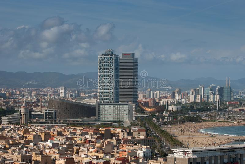 Vue panoramique de ville et de plage de Barcelone photo stock