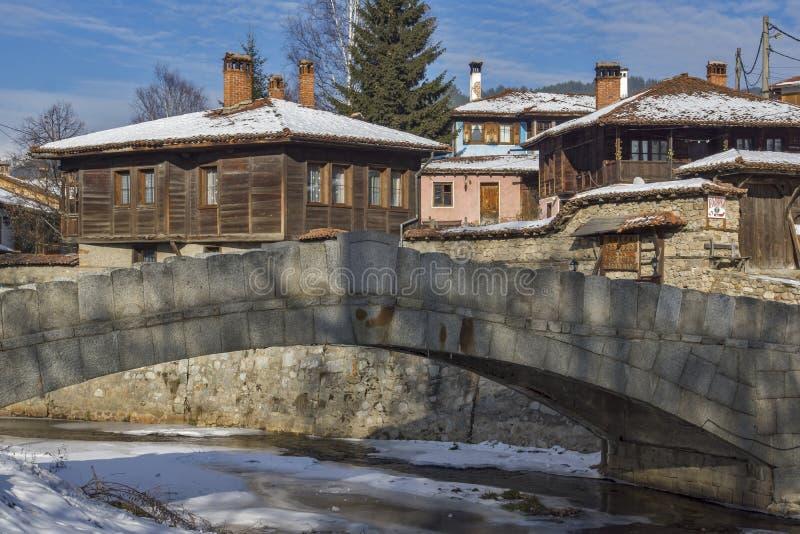 Vue panoramique de ville historique de Koprivshtitsa, Sofia Region photographie stock