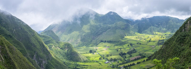 Vue panoramique de Volcano North dormante de Quito, Equateur photos libres de droits