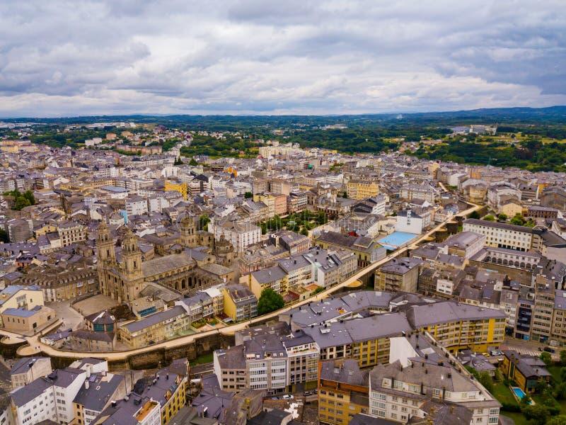 Vue panoramique depuis le drone sur le centre ville Lugo Galice Espagne photo stock
