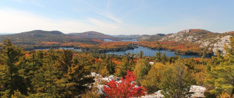 Vue panoramique des lacs de Killarney en automne photographie stock