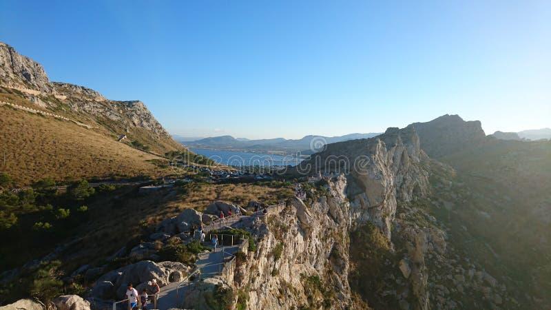 Vue panoramique des montagnes images stock